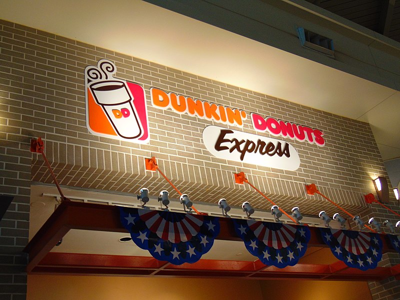 800px-Dunkin'_Donuts_in_Midway